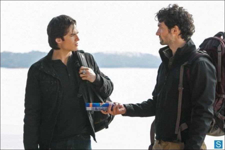 Que dit Damon quand Shane lui propose de la crème solaire ?