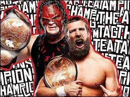 La Team Hell No a défendu ses titres dans un ...