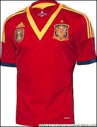 Ce maillot rouge appartient à la sélection...