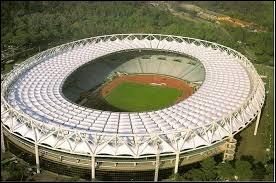 Quel joueur joue dans le Stade olympique de Rome ?