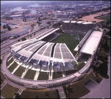 Quel joueur joue dans le stade Gerland ?