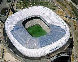 Quel joueur joue dans l'Allianz Arena ?