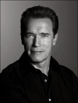 Quel est le titre, basé sur celui d'un de ses films, de l'autobiographie d'Arnold Schwarzenegger ?