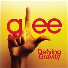 Episode 9 : Qui chante  Defying Gravity  ?