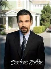 Qui interprète le rôle de Carlos Solis ?