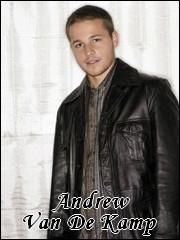 Qui interprète le rôle de Andrew Van de Kamp ?