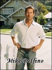 Qui interprète le rôle de Mike Delfino ?