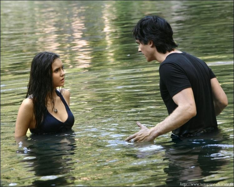 De qui Elena, Damon et Alaric sont-il à la recherche dans cet épisode ?