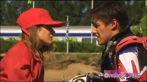 León ressort avec Violetta mais ils vont rompre ! (Encore une fois). León va-t-il sortir avec une autre fille ?