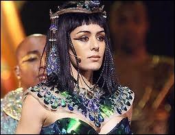 Cléopâtre est-elle appréciée des Romains ?