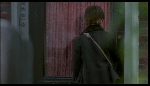 Quel est le numéro de la porte d'où sort Cole ?