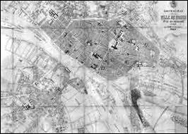 Sous le Second Empire, le réseau ferroviaire s'est considérablement agrandi. En effet, en 1870, les chemins de fer couvrent 18000 kilomètres. Mais combien de kilomètres couvraient-ils en 1852 ?