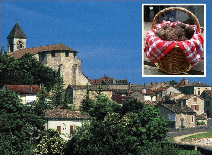 Baptisée pompeusement le Diamant noir du Quercy, la truffe noire a son marché dans ce chef-lieu de canton du Lot.....