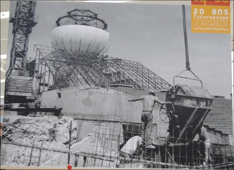 Qui est nommé Directeur Général du chantier du Futuroscope de 1986 à 1990 ?