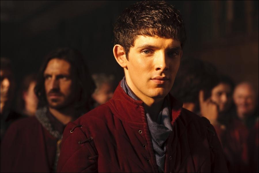 Lors de l'épisode  Possession  de la saison 4, quelles idées sont retenues par Merlin pour tuer Arthur ?