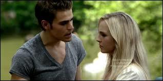 Que découvrent Stefan et Caroline à la fin de l'épisode 7 ?