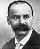 En quelle année Karl Schwarzschild a-t-il découvert la métrique de Schwarzschild ?