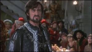 Qu'amène Robin à prince Jean et au shérif de Rotengham lors du banquet ?