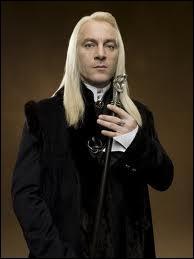 Dans  Harry Potter et l'ordre du phénix , que veut obtenir Lucius que possède Harry pour le donner à Voldemort ?