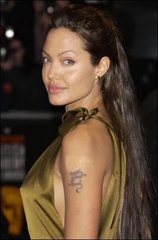Dans ses films d'action, Angelina a acquis une certaine réputation, laquelle ?