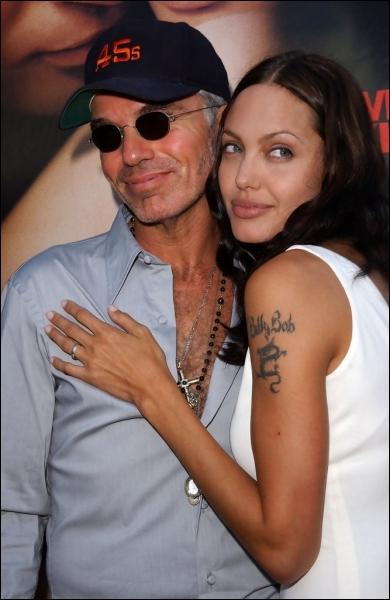 Voici le second mari d'Angelina, qu'elle a connu alors qu'il vivait avec l'actrice Laura Dern (Jurassic park). Quel est son nom ?