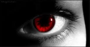 Dans Twilight 1, qui perd le contrôle de sa voiture et risque d'écraser Bella ?