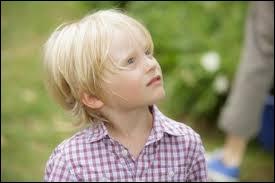 Ce petit garçon est-il vraiment son fils ?