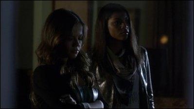 Le N. A. T Club, était fondée de trois garçons, Ian, Garrett et Jason mais sur une vidéo dans la chambre d'Alison (la nuit de sa mort), deux filles y apparaissent; qui sont elles ?