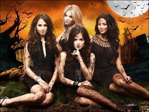 Entre la saison 2A et la saison 2B, il y a eu une pause, est pendant celle-ci, il y a eu l'épisode d'Halloween, la même chose pour la saison 3, mais à quelle date ont été fixés ces deux épisodes ?
