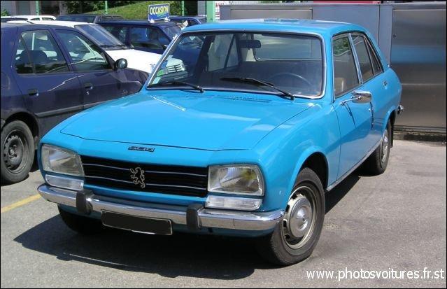 Et cette voiture avec les premiers moteurs diesel (si l'on excepte un essai sur les 403 taxi) ... ?