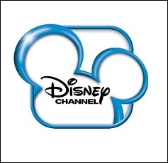 Sur quelle chaîne est diffusée la série dans laquelle elle joue ?