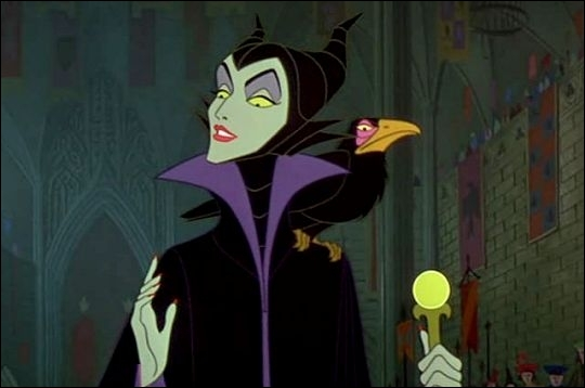 Qui est cette monstrueuse sorcière poursuivant une innocente princesse dans l'unique but de tourmenter sa famille qui ne l'a pas invité à la fête de sa naissance ? Comment s'appelle ce conte ?