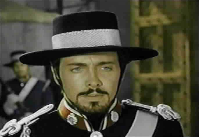 Quel est le nom de ce méchant commandant tyrannisant une ville toute entière? Quel justicier masqué se rebelle contre lui ?