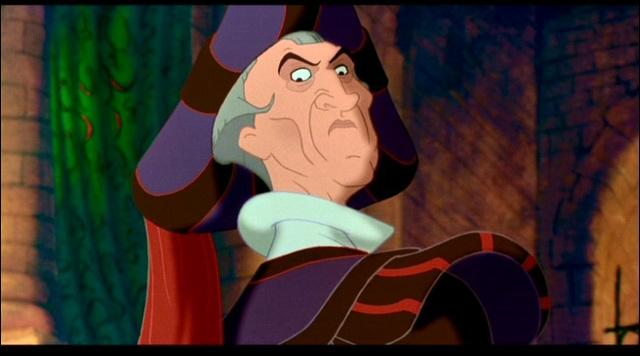 Comment s'appelle cet ignoble juge convaincu que les bohémiens doivent être éliminés parce qu'ils sont  impurs  ? De quel Disney vient-il ?