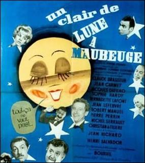 Quel artiste français a enregistré en 1962, une version twist de la célèbre chanson   Un Clair de lune à Maubeuge  ?