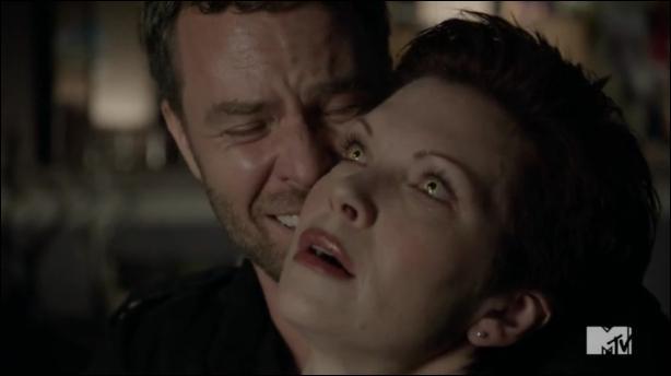 Pour quelle raison la mère d'Alyson meurt-elle ?