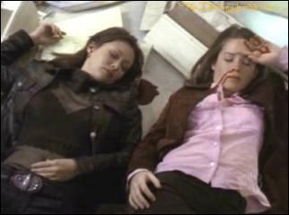Laquelle des sœurs meurt en premier ?