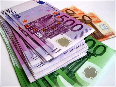 Même le manque d'argent peut s'exprimer à travers une expression utilisant un légume. Parmi les propositions, laquelle correspond à cette situation ?