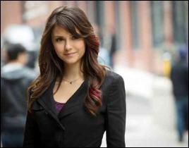 Dans la saison 4, que devient Elena Gilbert ?