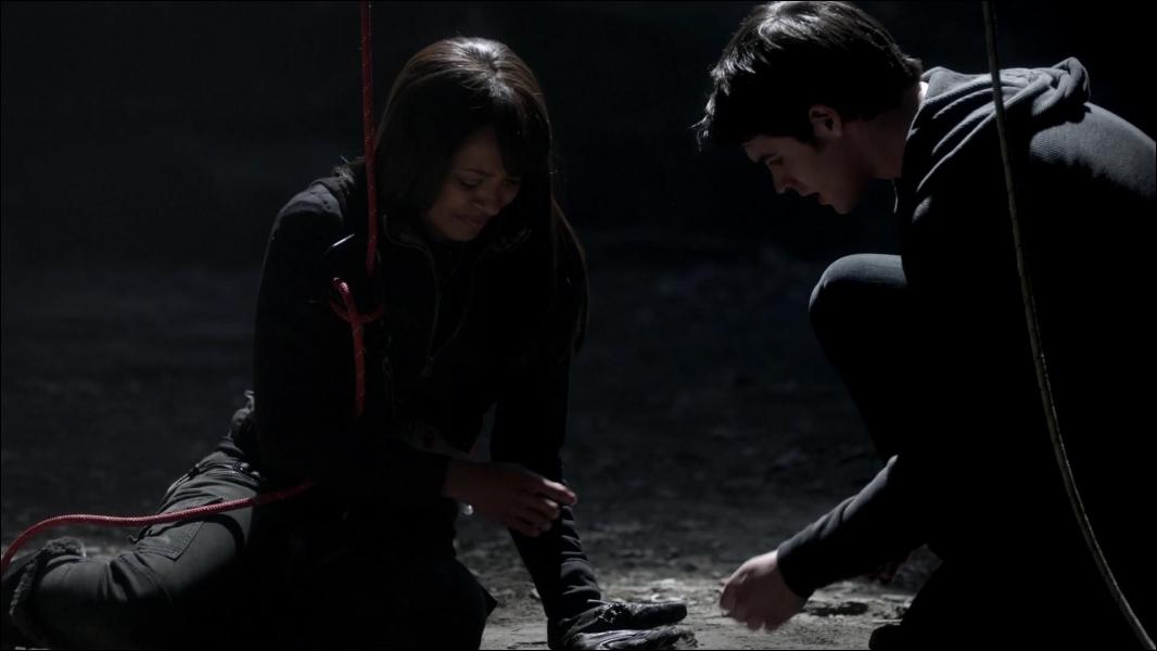 Que cherchaient Bonnie et Jeremy lorsque Jeremy a été tué ?