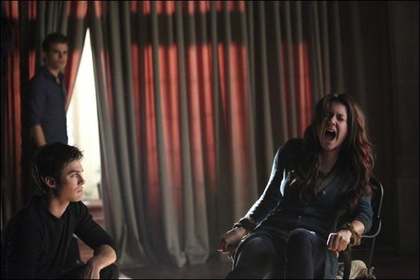Que fait Damon pour lui faire retrouver son humanité ?