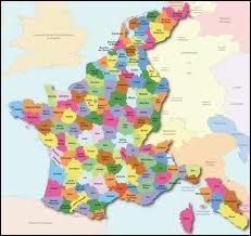 Combien compte-t-on de départements en 1811 ?