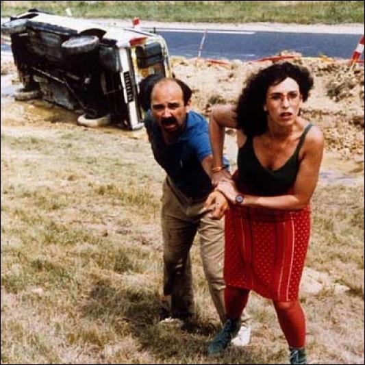 Dans quel film la comédienne Anémone joue  Bonnie , une animatrice de radio rencontrée par Gérard Jugnot ?