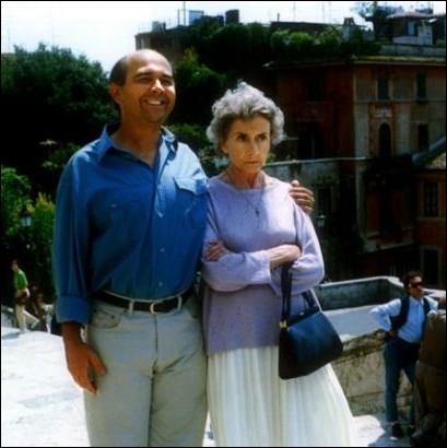Elle incarnait une  gamine  septuagénaire, maman de Gérard Jugnot dans  Vogage à Rome  en 1992 ... .