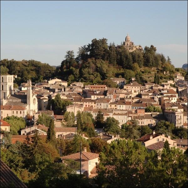 Votre frère Benoît vous invite à passer des vacances à Forcalquier, où irez-vous ?