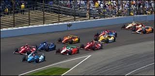 À Indianapolis, sachant que la course se déroule sur 500 miles et que le vainqueur roule à une vitesse moyenne de 268 km / h, combien de temps mettra-t-il pour remporter l'épreuve ?