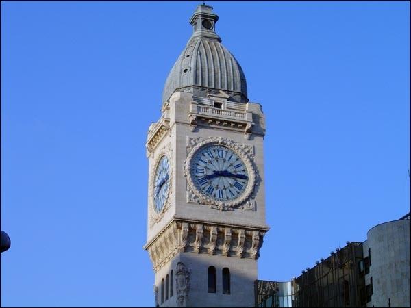 Quel est le nom de cet objet qui a même donné son nom à la tour de la Gare de Lyon sur laquelle il est depuis bien longtemps fixé ?