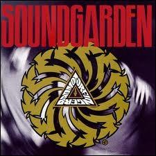 Quel titre ouvre le 3e album de Soundgarden  Badmotorfinger  sorti en 1991 ?