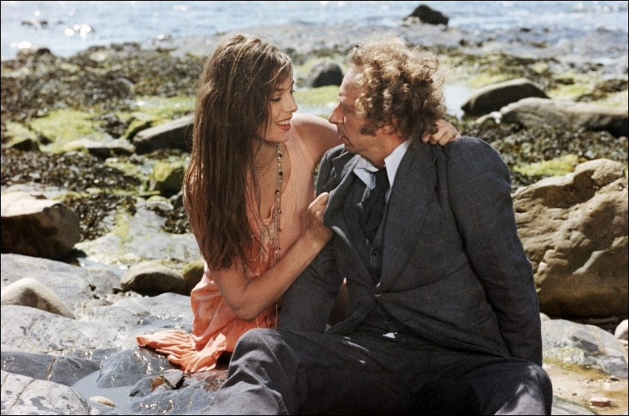 En 1975 , il est Pierre Vidal dans ce film réalisé par Claude Zidi
