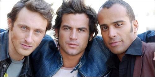 """Dans la sitcom """"Pour être libre"""", lesquels d'entre eux font partis du Boys Band les '2 Be 3' ?(2 réponses)"""